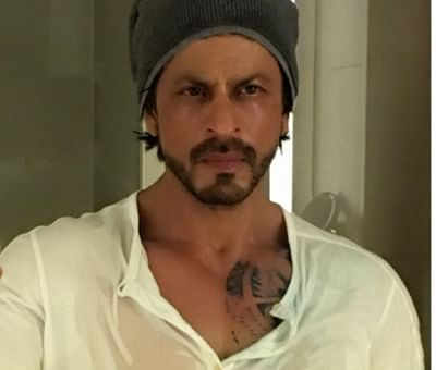 Shah Rukh gifted leather jacket to beat Amsterdam chill