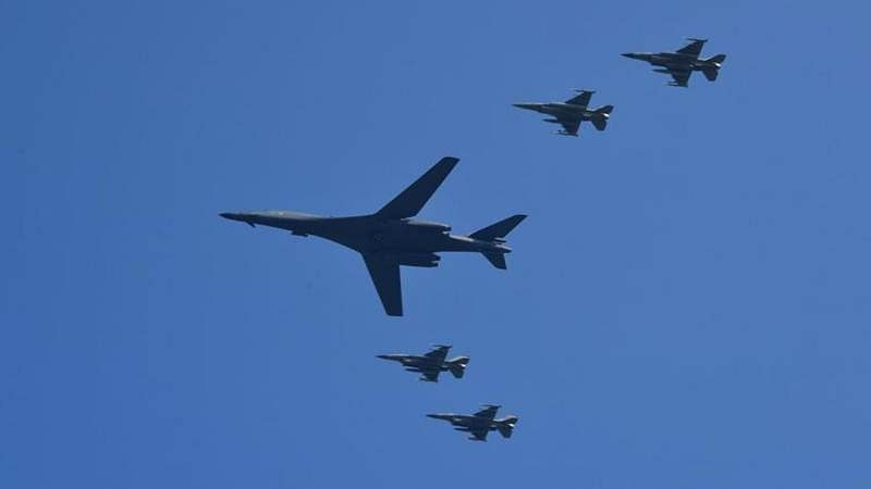 US flies B-1B bombers over South Korea after Pyongyang nuclear test