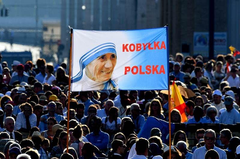 Mother Teresa elevated to sainthood