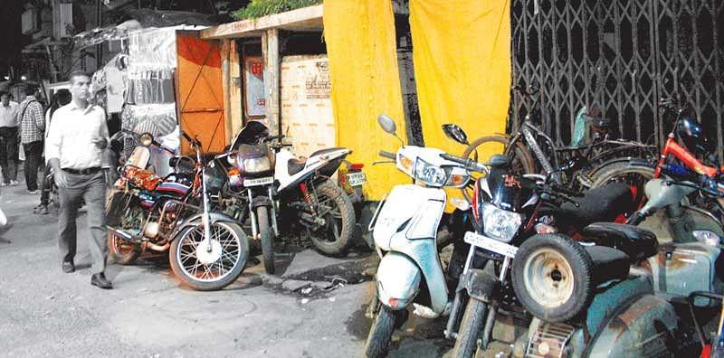 RIGHT TO PEE – Lack of public toilets plagues Sarafa