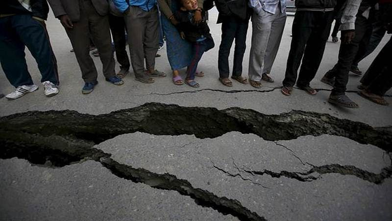 Philippines quake: 8 killed, 60 injured