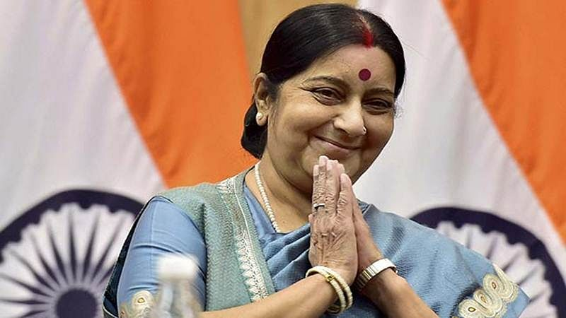 Swaraj comes to aid  of woman in distress