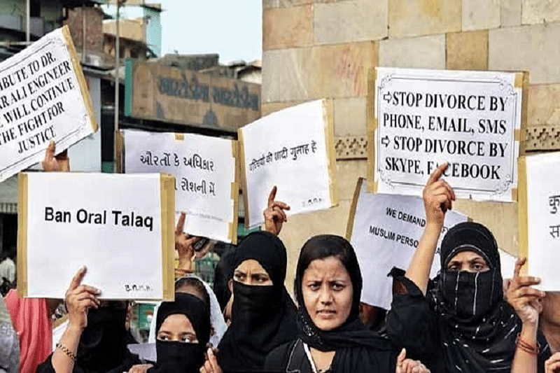 Supreme Court grants Centre four weeks to respond on triple talaq issue