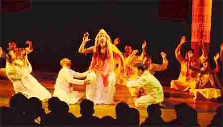 Classic Charandas Chor staged to full house