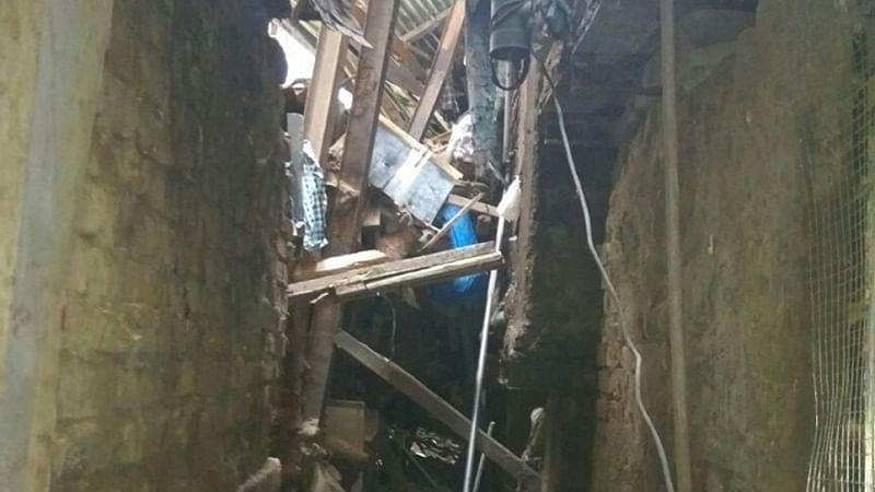 Mumbai: Bandra illegal shanty crashes, 6 kids killed