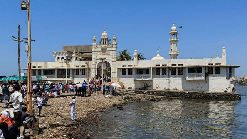 Haji Ali Trust moves SC against Bombay High Court order allowing entry to women