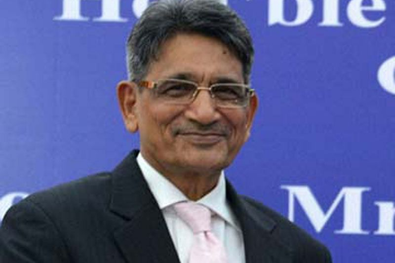 Lodha llexes financial musclem, stops BCCI payments