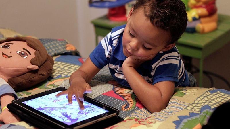 Smartphone usage around kids may have adverse impact