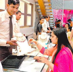 Buoyant buying in Bazaars: Markets do roaring business on Dhanteras