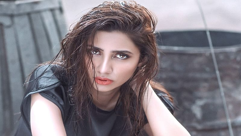 Check out Mahira Khan's unique promotional strategy for Raees