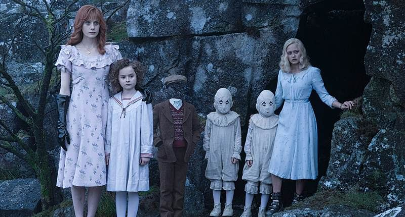 Miss Peregrine's Home for Peculiar Children: Stunning Surreal Fantasy