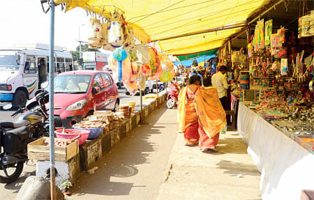 Parking area occupied for religious show; traffic thrown haywire