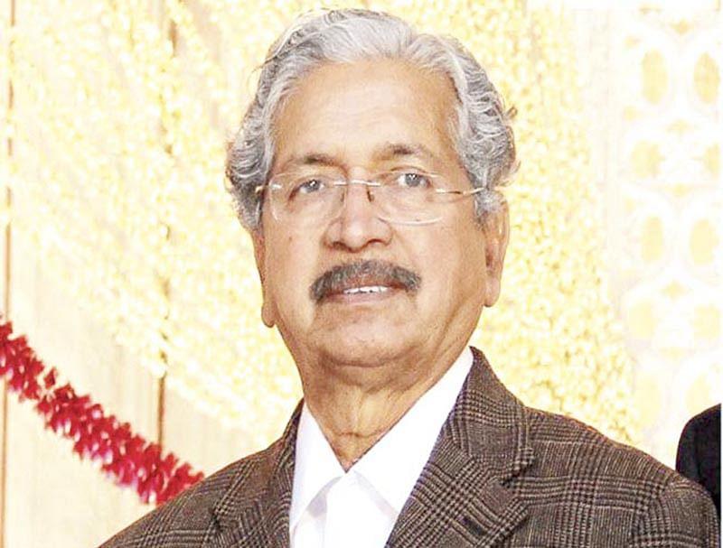 BEST bus strike: Guardian minister Subhash Desai busy in cabin redo