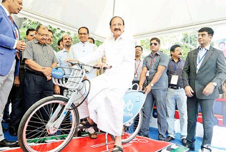 Venkaiah Naidu asks MP to re-submit Bhopal, Indore metro proposals