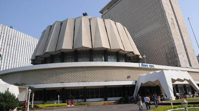 Woman tries to commit suicide outside Mantralaya by setting herself ablaze