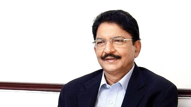 Governor of Maharashtra presents literary awards to eminent writers