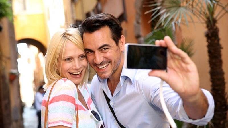 Selfie viewing on Facebook linked to low self-esteem
