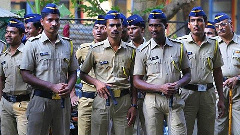 Over 200 Mumbai cops duped of crores by scamsters