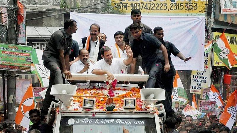 'Selfie machine' PM Modi doesn't know how to hold broom: Rahul Gandhi