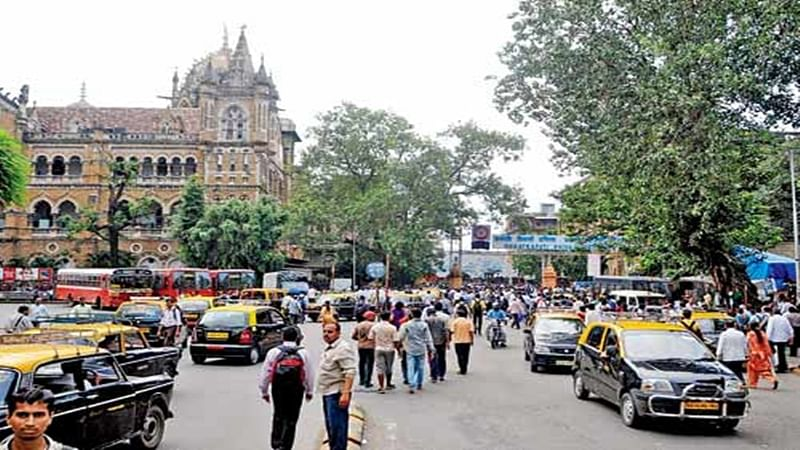Mumbai CST to soon be hawker free, as BMC issues 48 hrs notice
