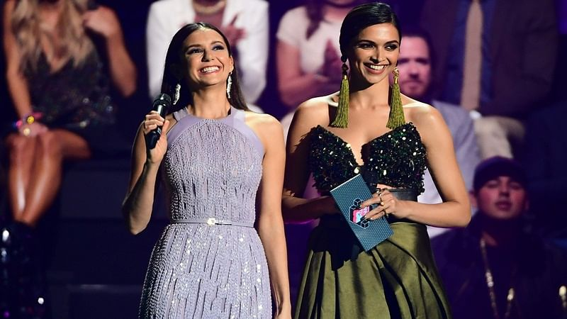 International media trashes Deepika's EMA look