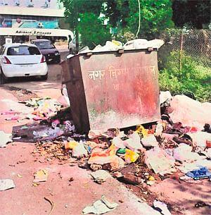 Dumped garbage stinks for days in Malviya Nagar
