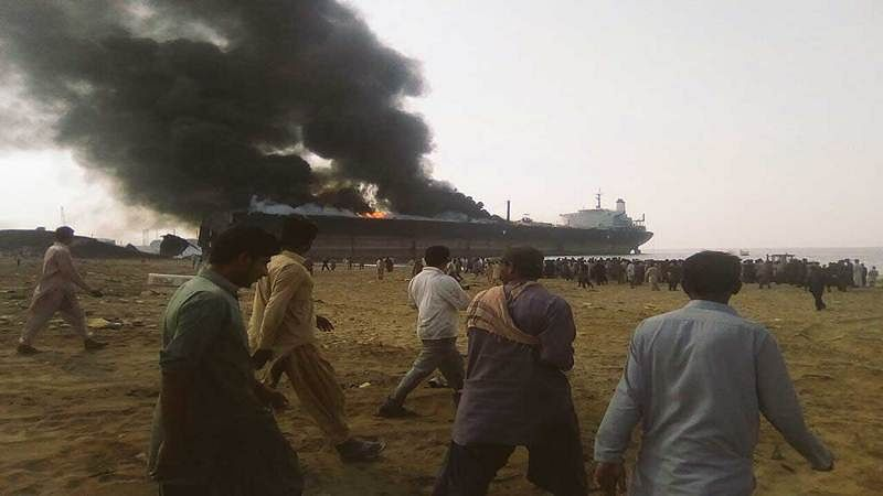 10 killed, 50 injured in explosions at Pakistan shipbreaking yard