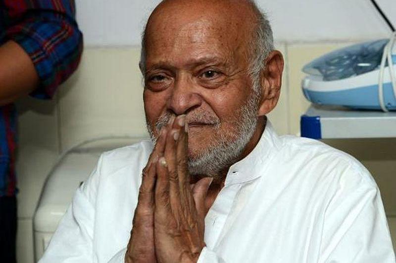 Mahatma Gandhiji's grandson Kanu Ramdas Gandhi battles death in Surat