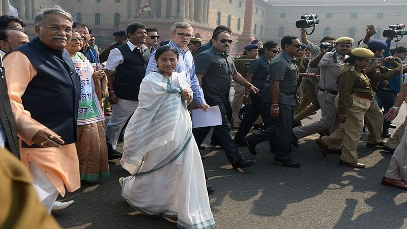 Mamata Banerjee seeks President's intervention against demonetisation