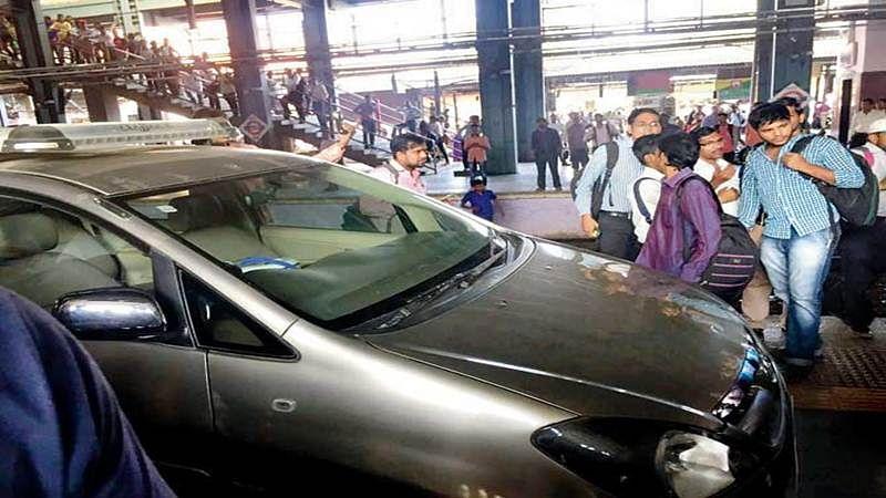 In search of parking, man parks car on Andheri railway platform