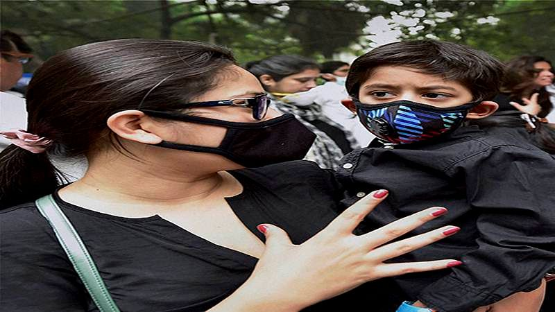 Masks not effective, surge in respiratory cases: AIIMS Director