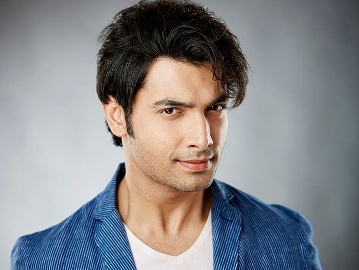Ssharad Malhotraa has no problem with getting intimate…onscreen!