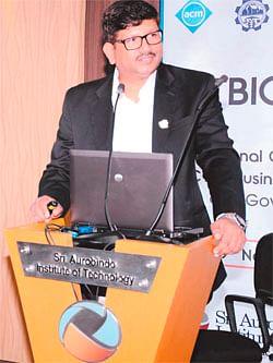 Indore: Talk on team building at Indore Management Association