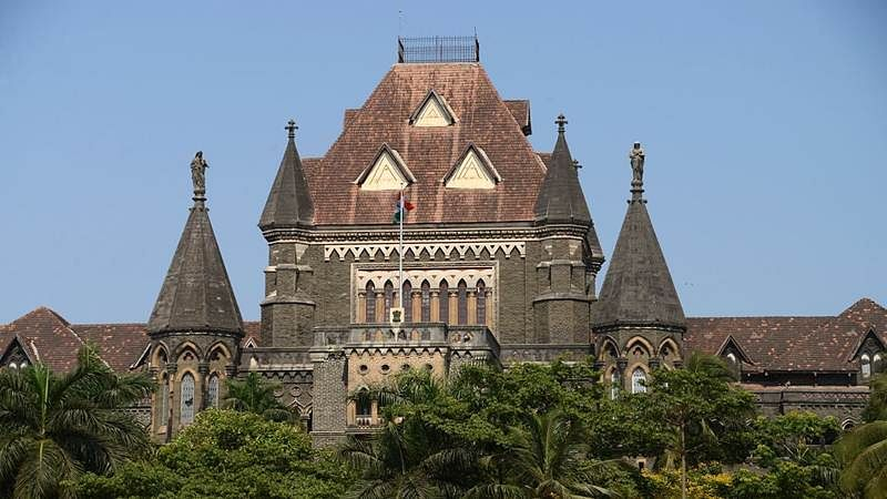 'Political class' to blame for illegal hoardings, fumes Bombay HC