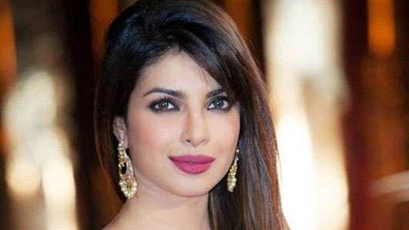 Priyanka Chopra `can't get enough` of her `Quantico` gal pals