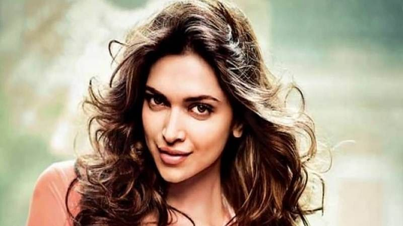 Deepika Padukone is almost unrecognizable as she shoots at Dhobi Ghat