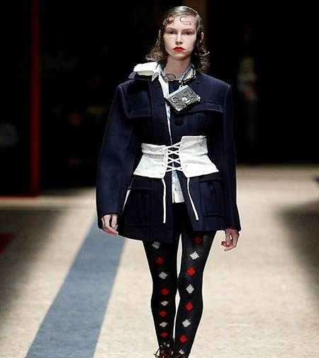 Corset belts how to wear them