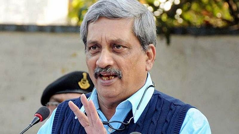 Won't discuss OROP with 'politicised' ex-soldiers: Manohar Parrikar