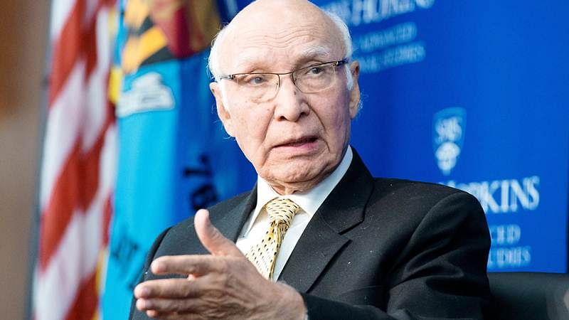 Pakistan will continue to support Kashmiris:Sartaj Aziz
