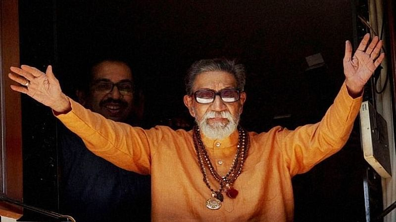 9-feet-tall Bal Thackeray to be erected in Colaba, proposal underway.