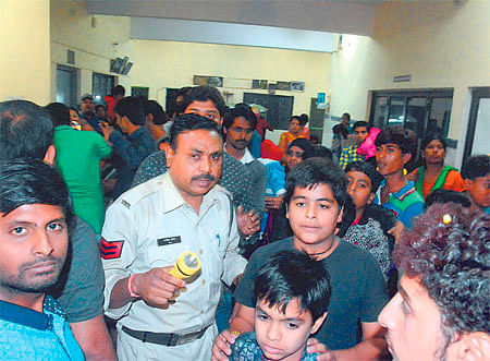 Indore: Life comes to a standstill for 90-min in zoo
