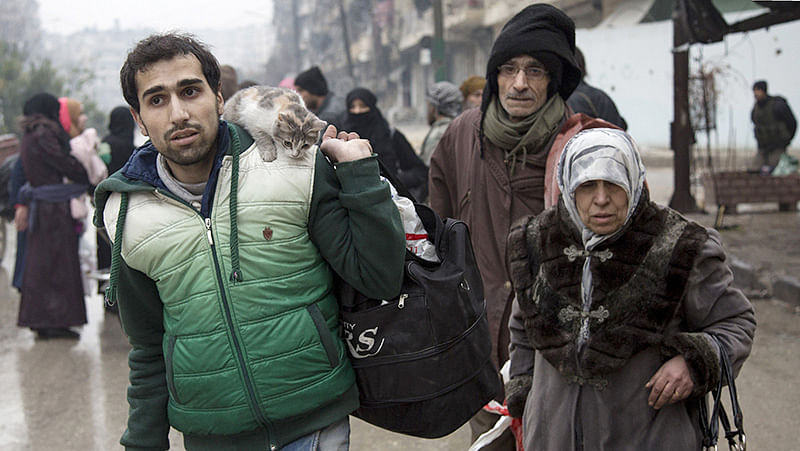 Deadly clashes jolt Aleppo as evacuation deal on hold