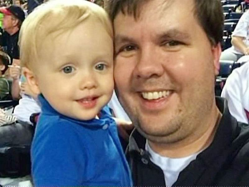US dad gets  life term for  leaving son to  die in hot car