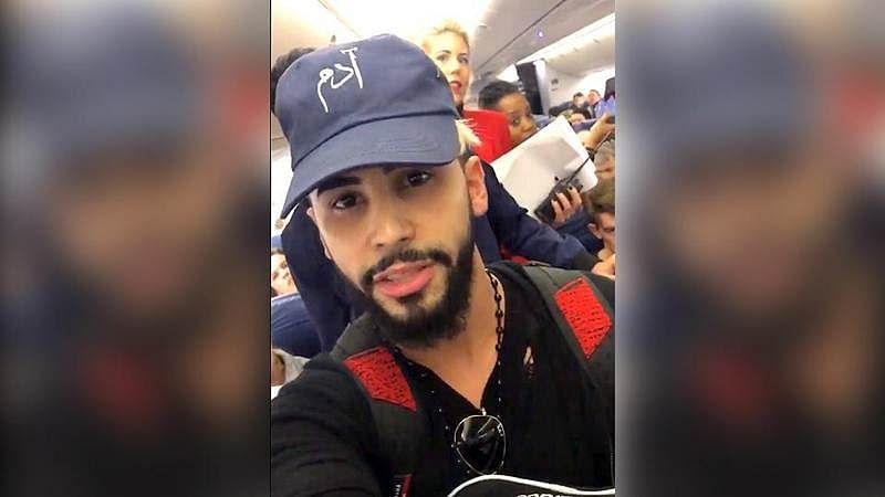YouTube star speaks Arabic, kicked off from flight