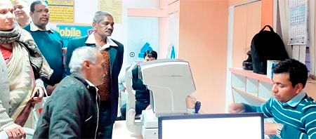 Bhopal: Allahabad Bank holds free eye check-up camp for customers