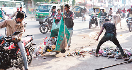 Indore: Clean mission hit by dirty games