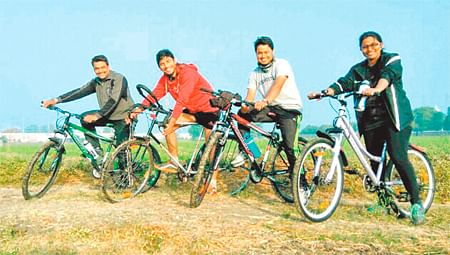 Indore: Free Press Cycling Initiative, Fresh air inspires them to cycle to work