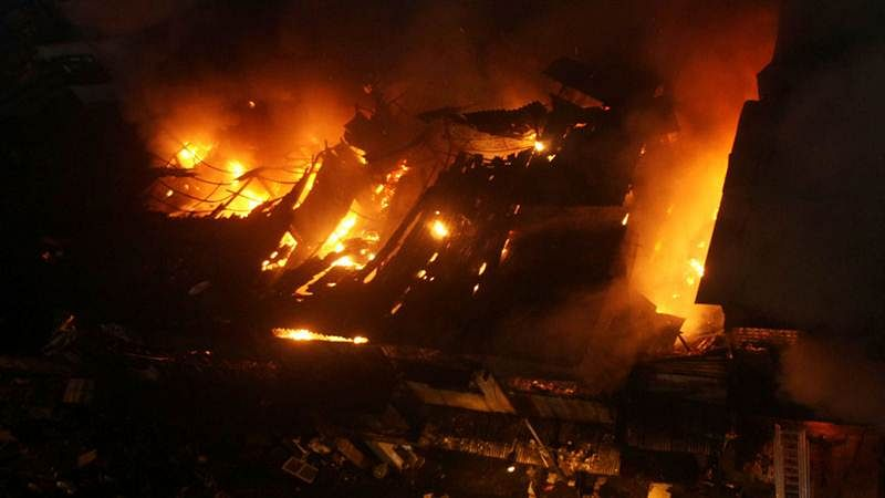 30 including children killed in Indonesia factory fire