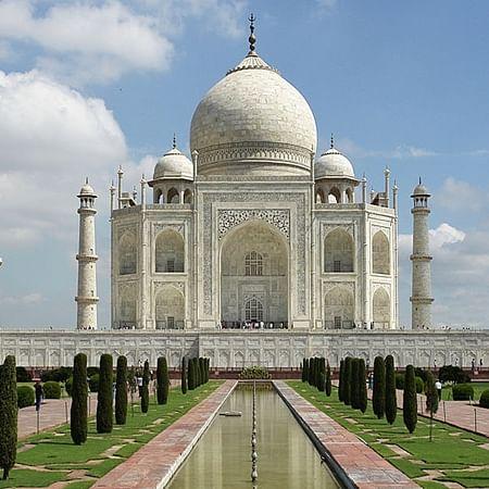 Tourists to see Taj under moonlight