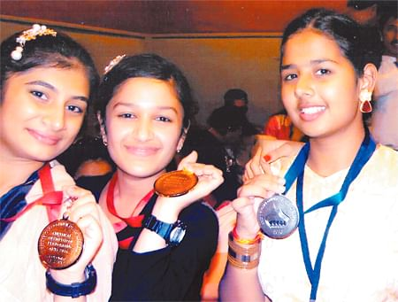 Ujjain: Three girls make city proud, win medals in international dance competition